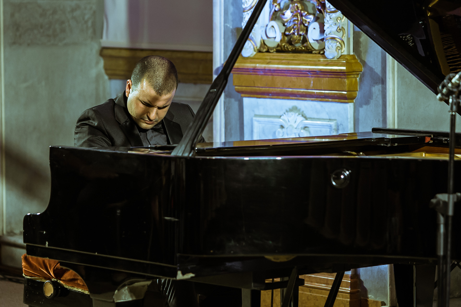 Piano Ritual