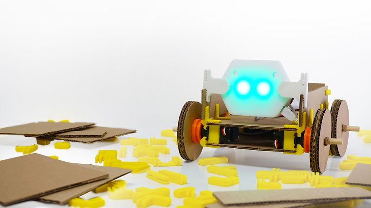 Cardbots_2.jpg