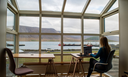Re-discovering nomadism through remote work. The hermit life of modern worker