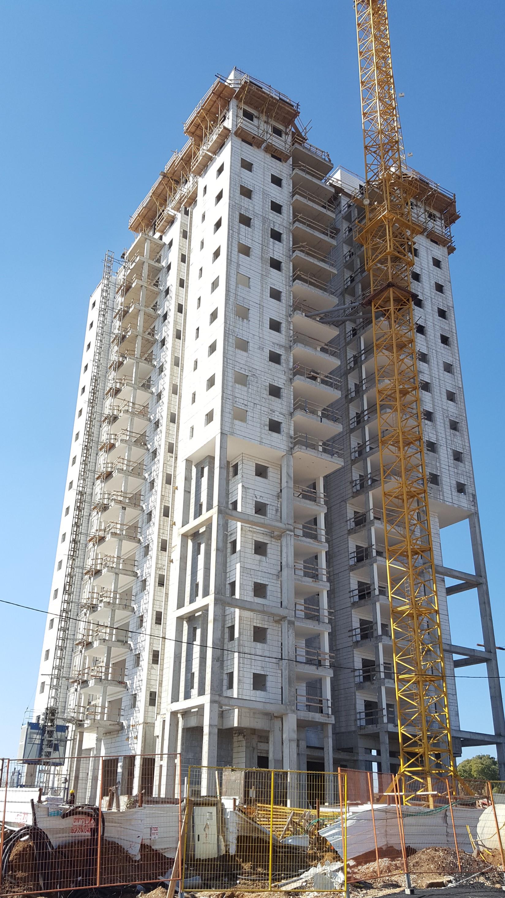 מגדל הראשונים 2