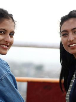 ビジネスパートナーのシータとサリータ: バディカフェはバディ族の未来を変えるために立ち上がった二人の姉妹を心から尊敬しています。彼女たちと働けるのは私たちの誇り。彼女たちから仕入れをしています。