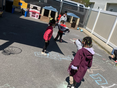 Creative Art Play Outside