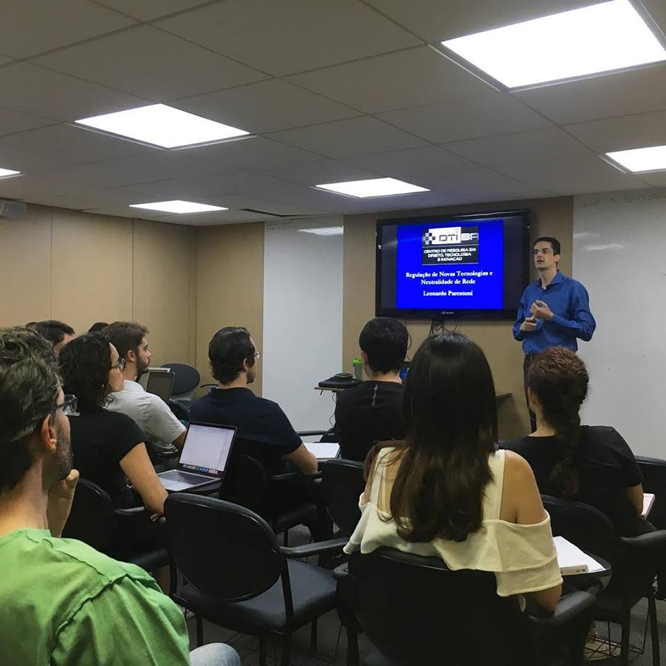 Aula do Prof. Parentoni no Curso DTI