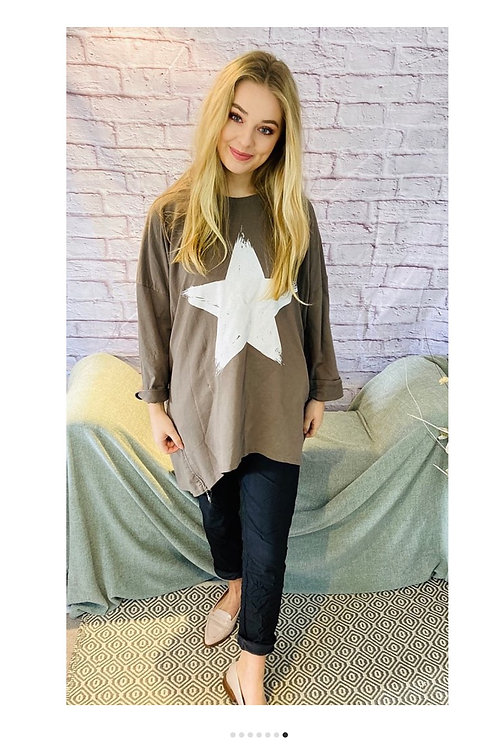 Star Oversized Top in Mocha