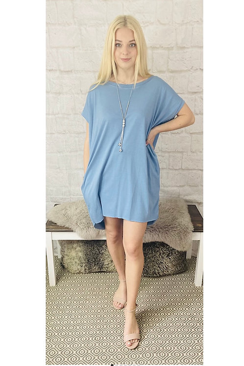 Oversized Top with Statement Necklace in Blue