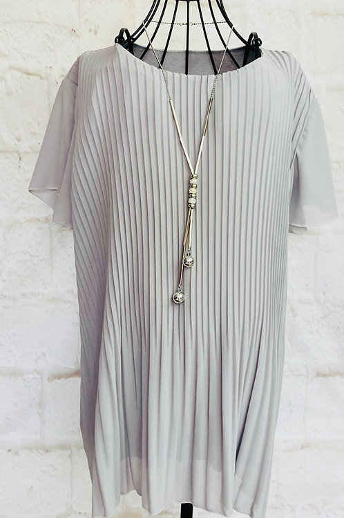Pleated Floaty Top with Necklace in Grey