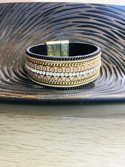 Tribal Pattern Magnetic Clasp Cuff