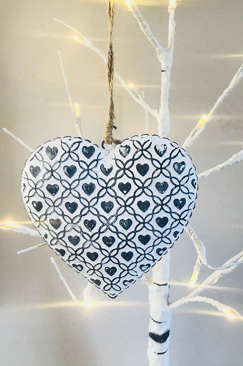 Rustic Metal Heart Decoration