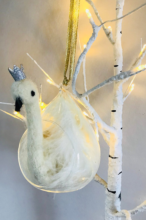 Swan Glass Teardrop Bauble