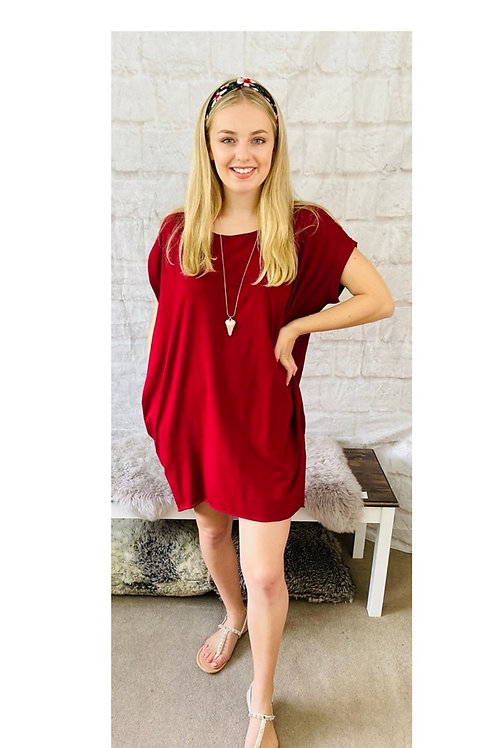 Oversized Top with Statement Necklace in Wine