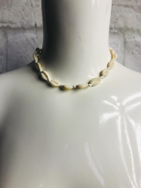 Thumbnail: Shell Choker Necklace