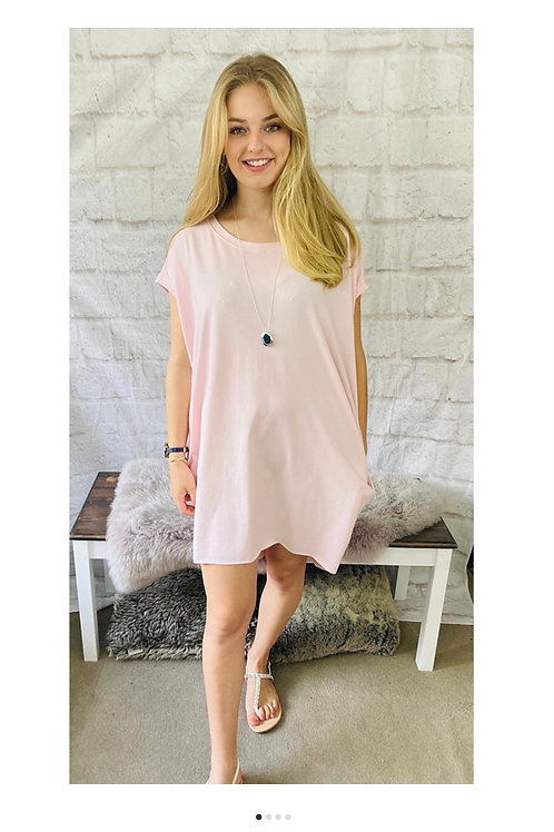 Oversized Top with Statement Necklace in Pink