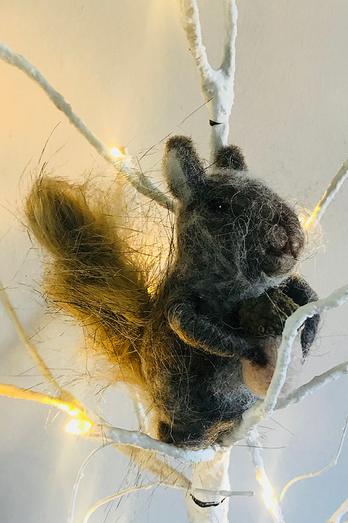 'Sidney' -Fluffy Felt Squirrel