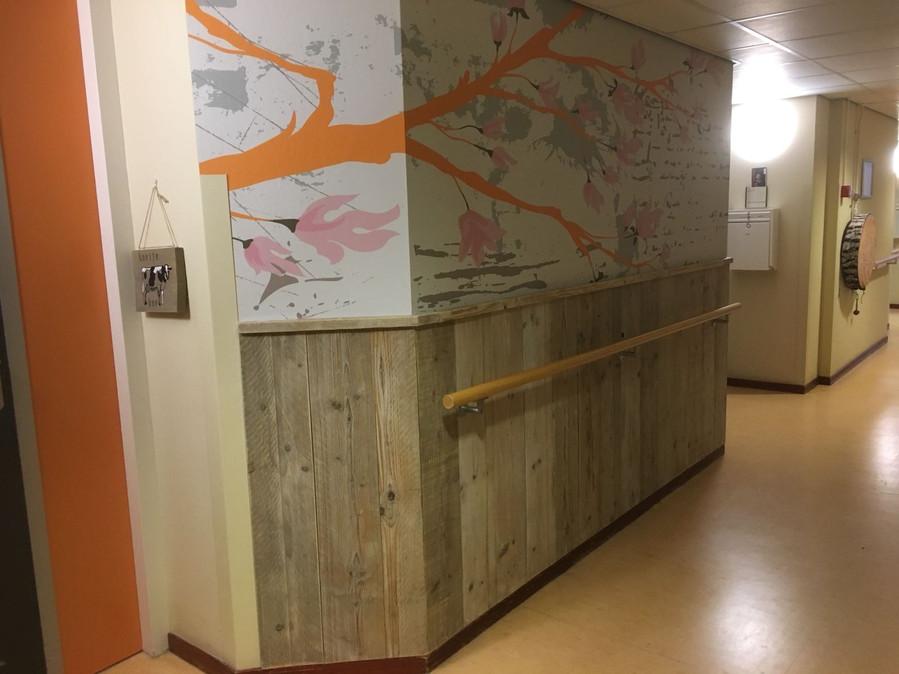 Houten lambrisering verzorgingstehuis.jpg