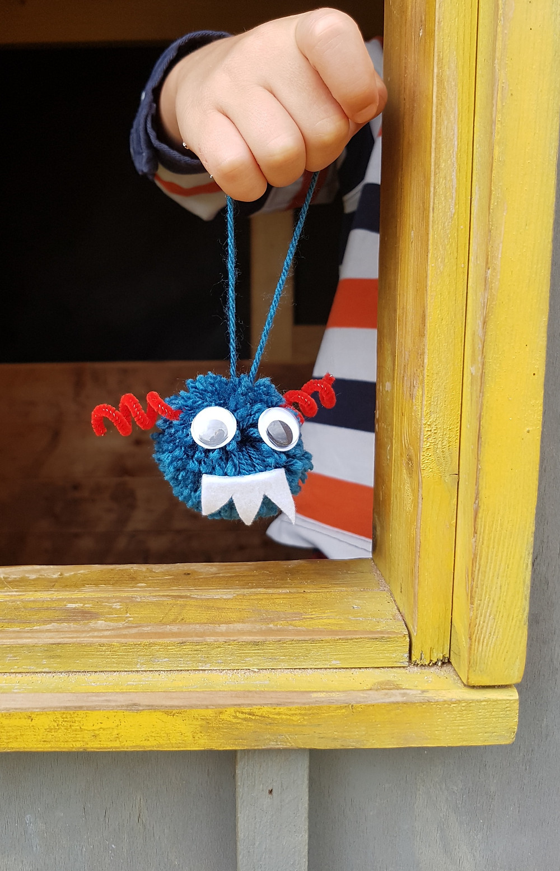 pompom monster craft