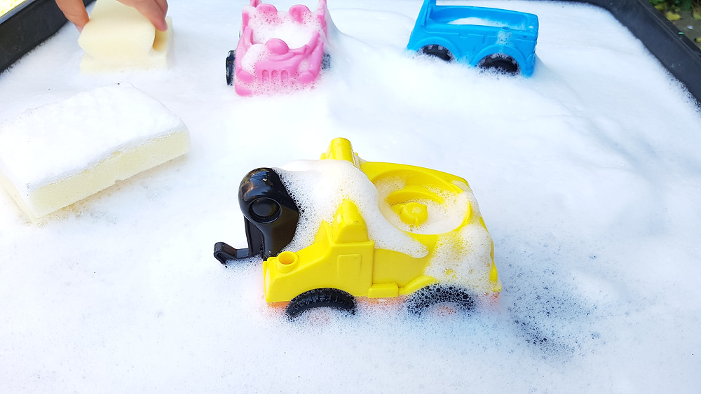 cars in bubbles, kids water play