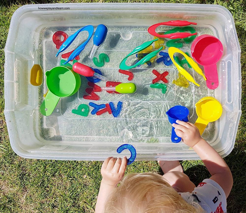 how to create a sensory bin, water play