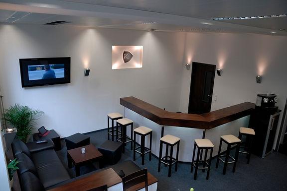 3- Büro und Bar nachher (1024x685).jpg