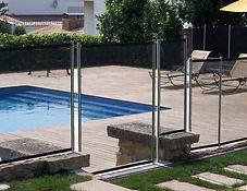 BABYSAFE fabrica sus cercos en diferentes alturas para adaptarse al diseño del vallado