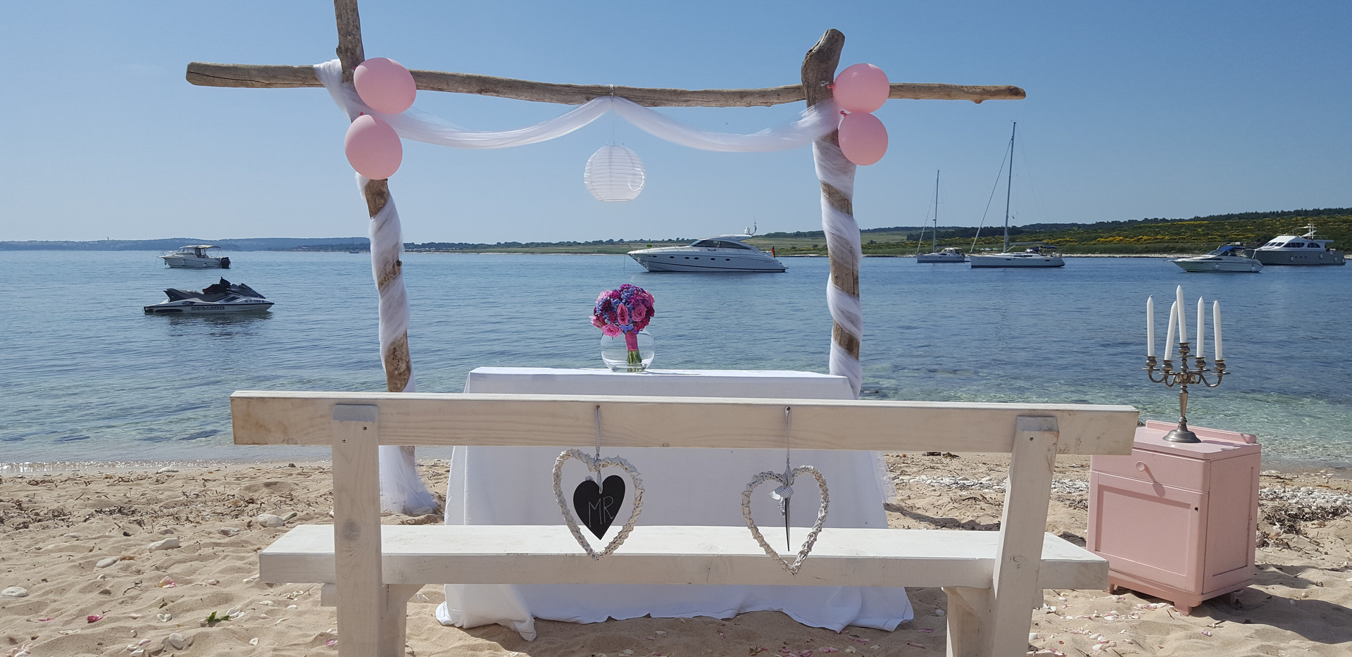 Wedding on island levan