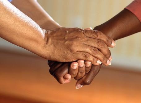 A Caridade Espírita é a Esmola?
