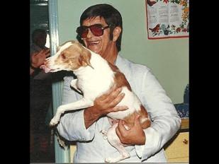 Chico Xavier e Cachorrinha Boneca