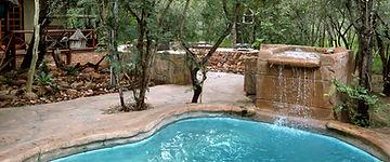 Maerua Camp, plunge pool and lapa