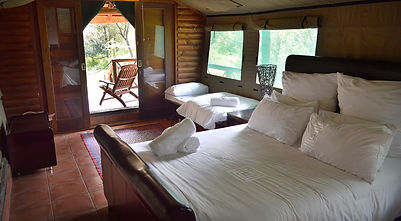 Thonningii bedroom and interior