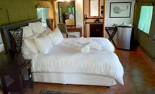 Mopane Luxury Tent interior