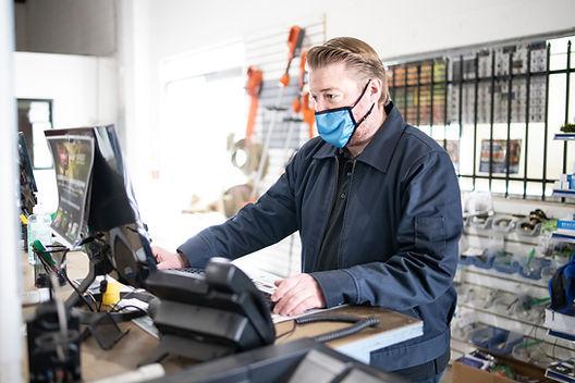 Aqua-Flo Employee providing friendly customer service