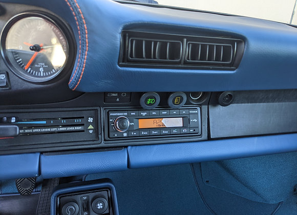 Continental Radio with wiring harness