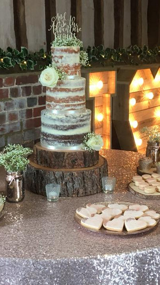 Lillibrooke Manor desert table