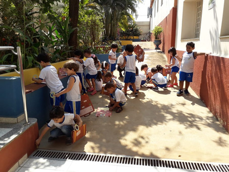 Explorando o Ambiente Escolar