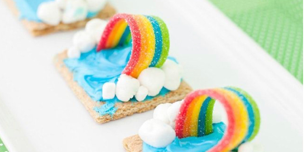 DIY Rainbow Necklaces & Snacks!