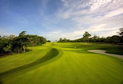 subpage-golf-07_edited.jpg