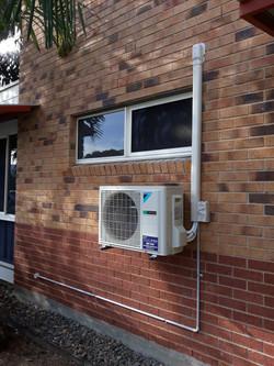 Daikin air conditioner installation Cairns