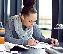 femme étudiant