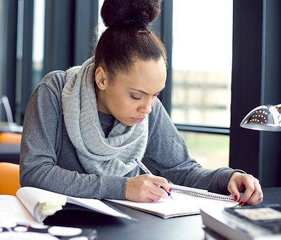 mulher que estuda