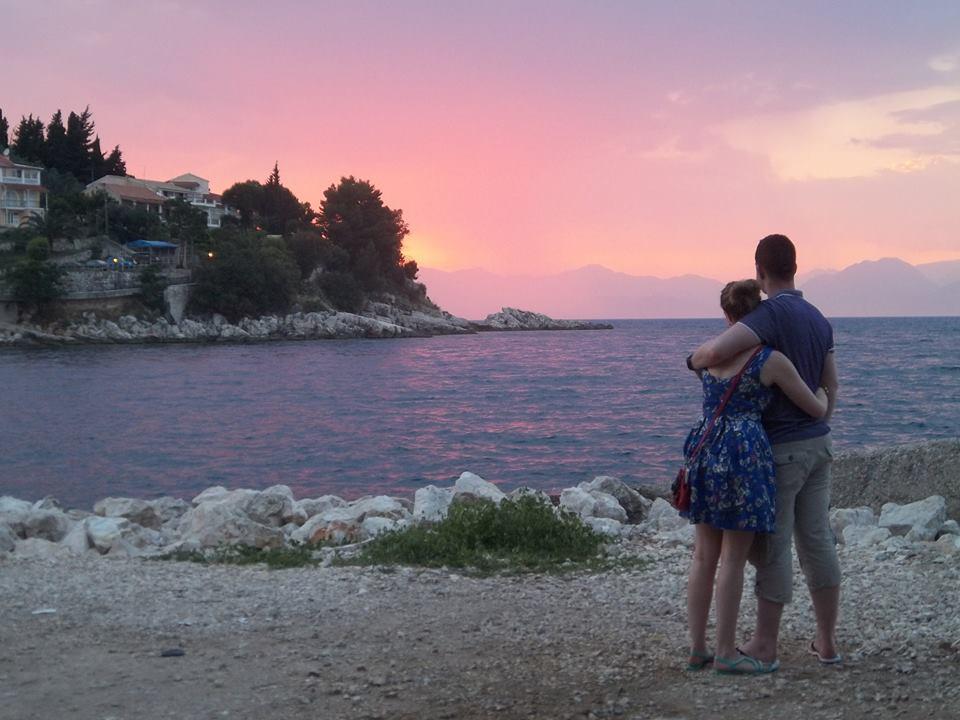 kassiopi sunset couple