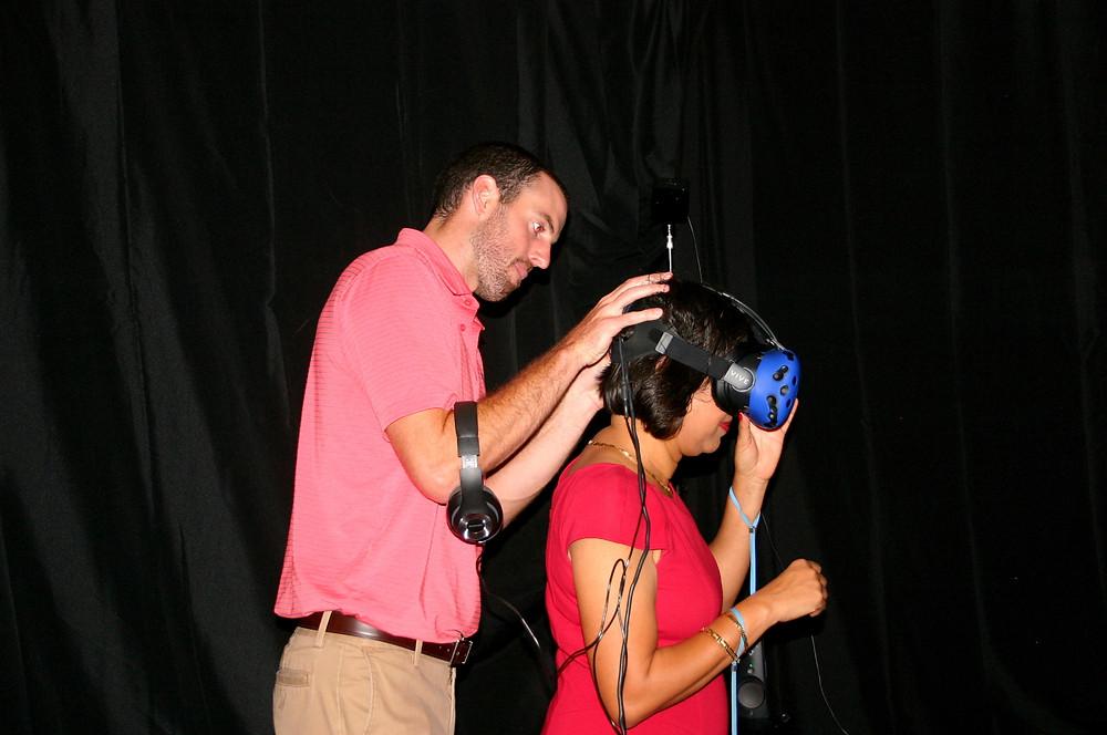 Maverick VR Assisting with a Virtual Reality Headset