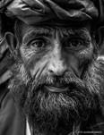 ritratto anziano bianco e nero