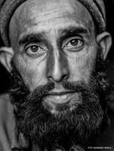 ritratto uomo con la barba