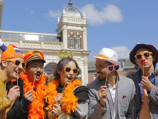 Review Film Negeri Van Oranje (2015): Manis dan Memanjakan Mata