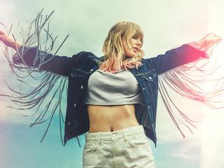 10 Rekomendasi Lagu Terbaik Taylor Swift di Album Lover!
