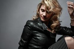 CARINA HÄUSLER Mode Fashion Beauty Styling Make Up Artist Haare Hairstyling Hamburg Ottensen Fotostudio