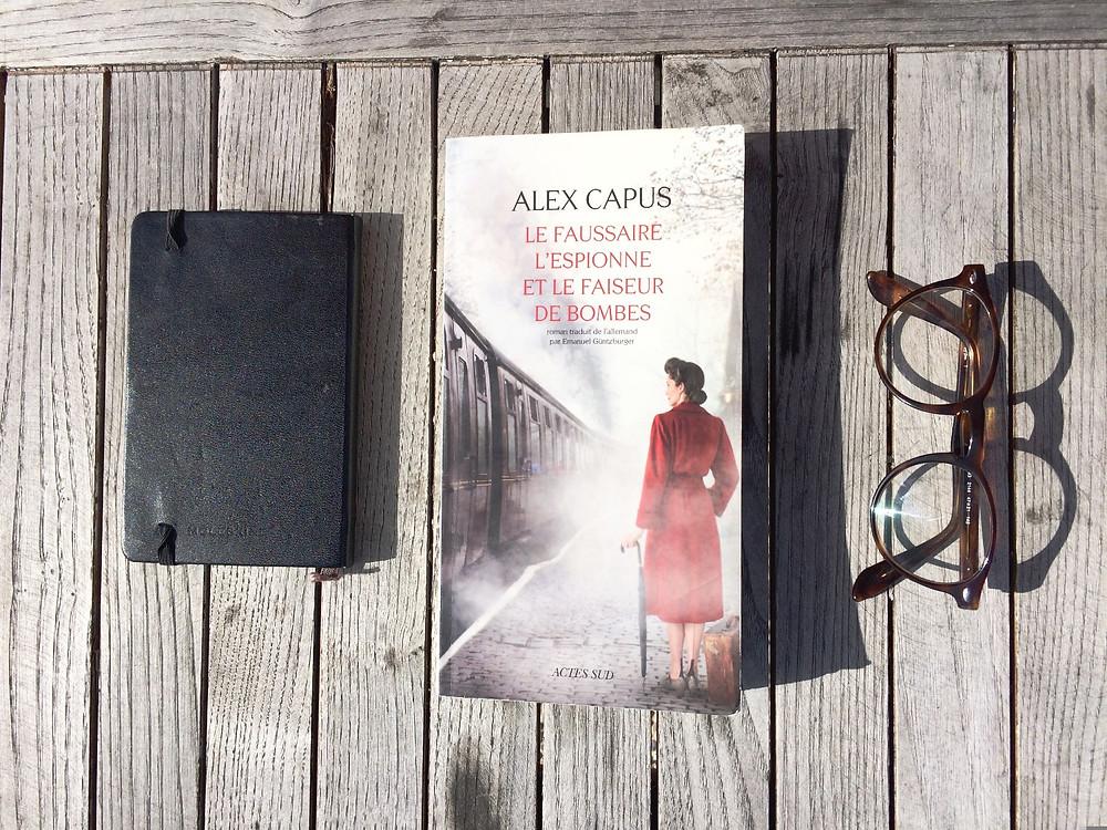 Photo du livre Le faussaire, l'espionne et le faiseur de bombes, d'Alex Capus (2)