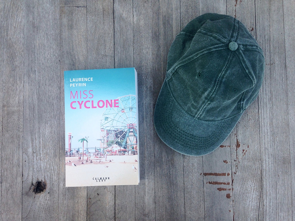 "Photo du livre ""Miss Cyclone"", de Laurence Peyrin (2)"