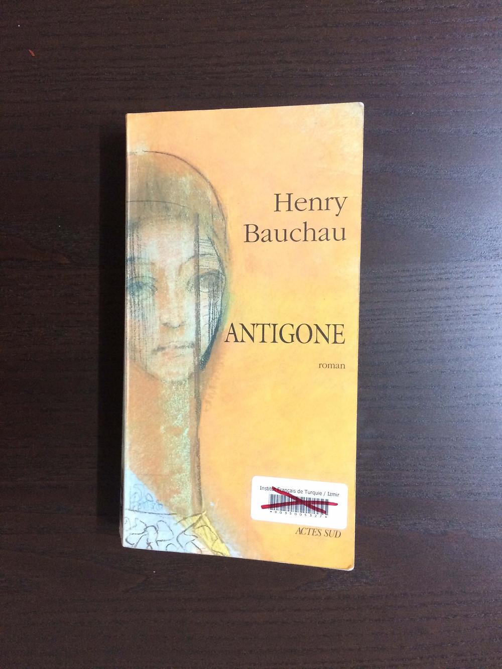 "Photo du livre ""Antigone"" d'Henry Bauchau (1)"