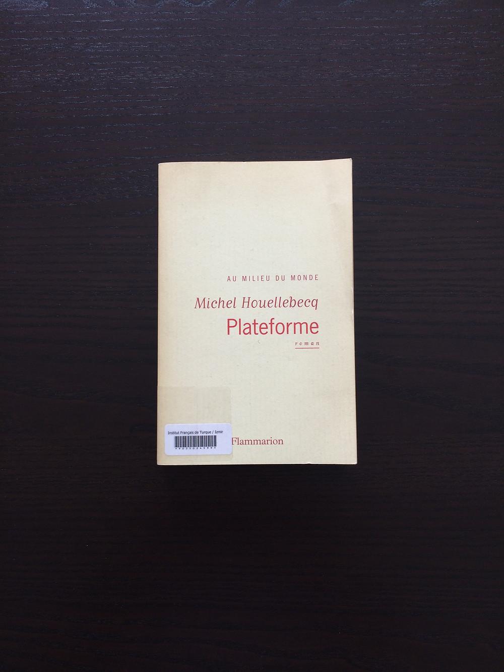 """Photo du livre """"Plateforme"""" de Michel Houellebecq (1)"""