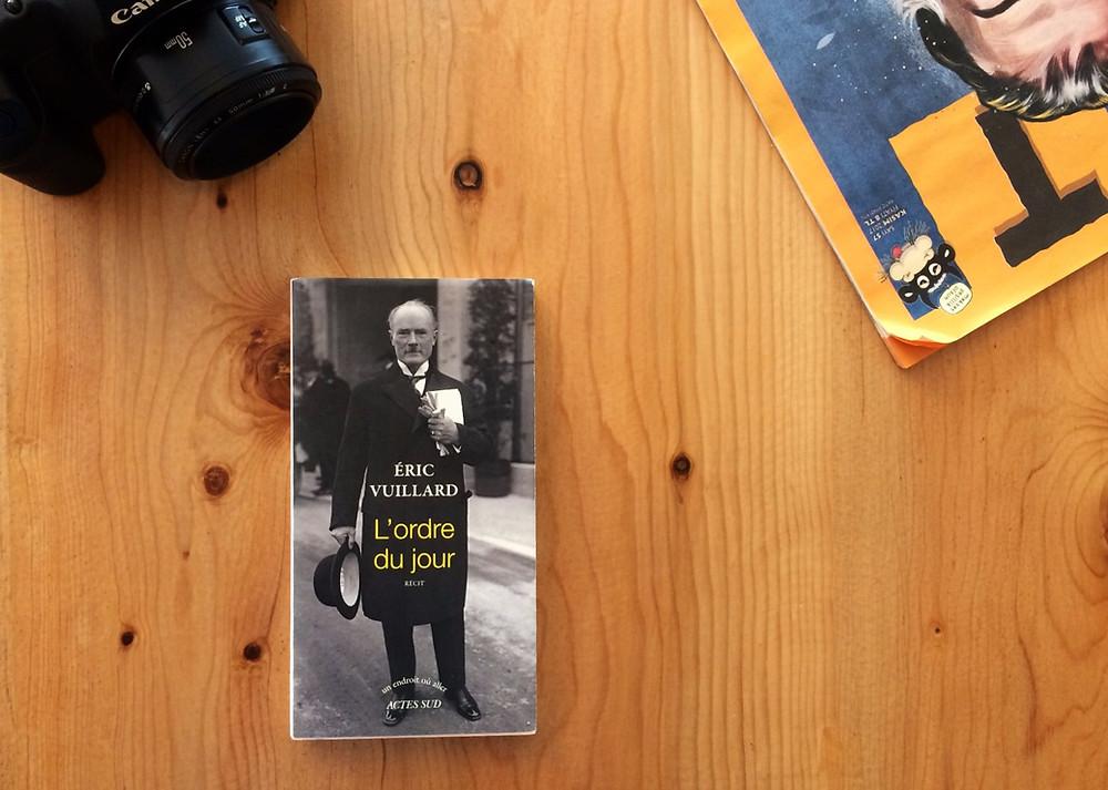 """Photo du livre """"L'ordre du jour"""" d'Éric Vuillard (2)"""